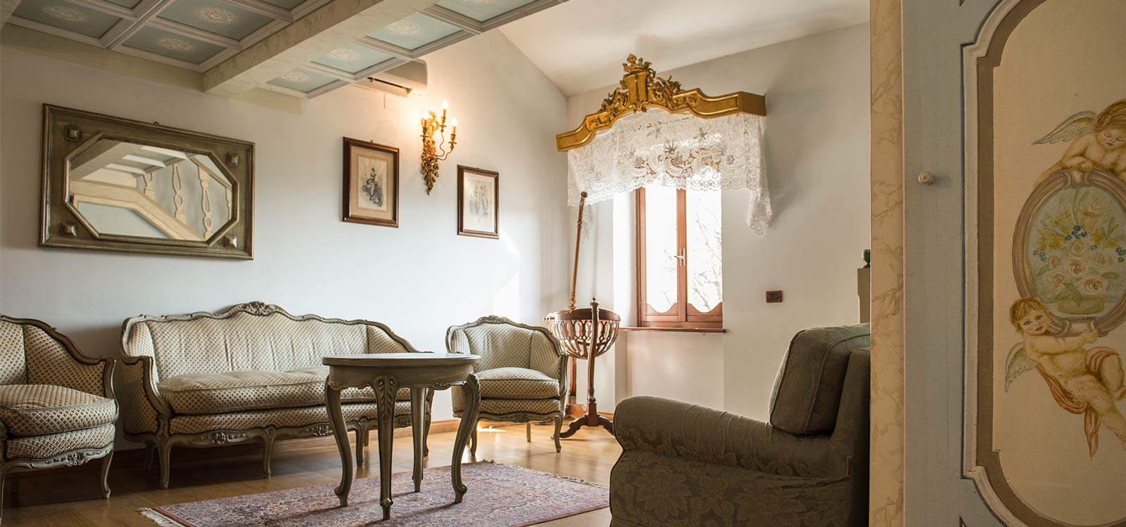Suite del Resort Le Case a Macerata